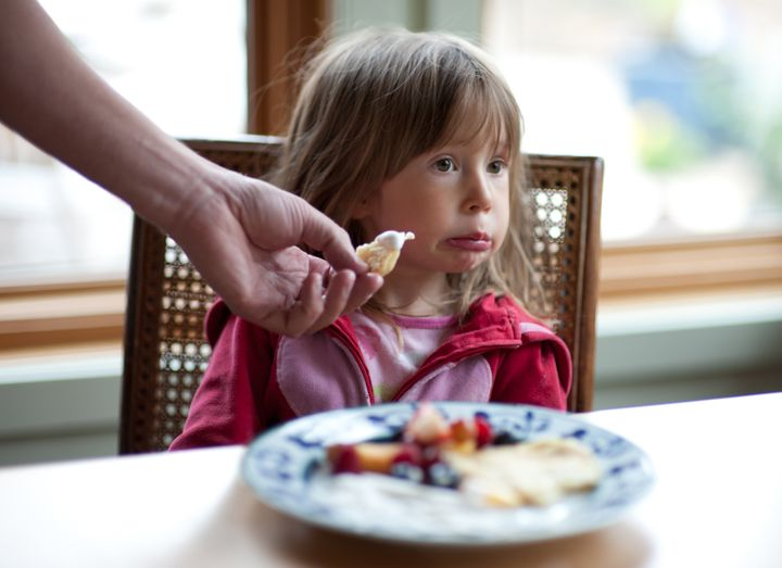 10 Tips Mengatasi Anak Cerewet Makan (Picky Eaters)